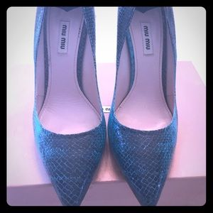 AUTHENTIC Miu Miu Snake Embossed pumps (Teal)